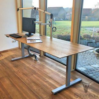 Eichenfrau Schreibtisch hoehenverstellbar form113 Eiche massiv 05